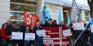 popolare-di-bari-proteste-risparmiatori